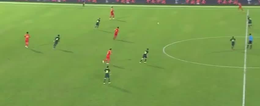 国奥传球失误送礼, 哈桑图雷起脚远射破门