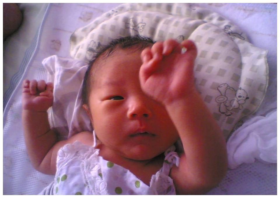 妈妈偷懒的带娃方式,差点把2个月宝宝差点弄成脑瘫,医生:无知