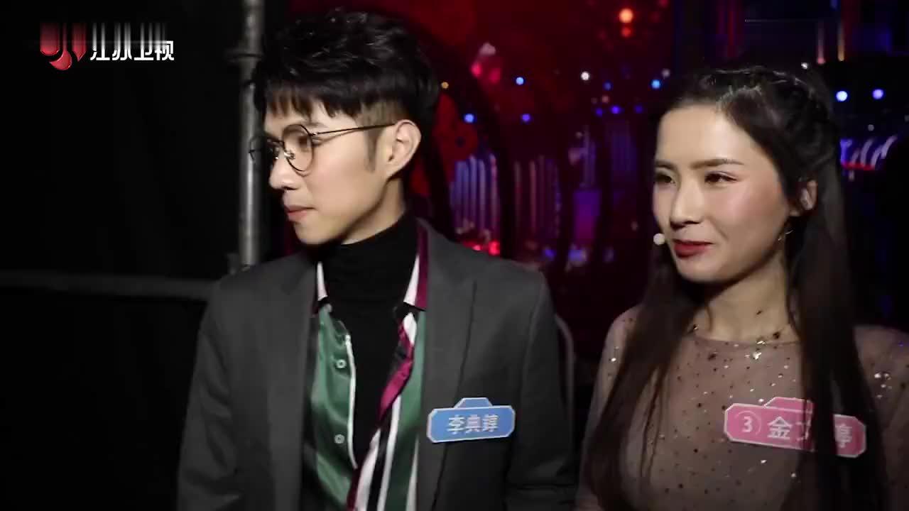 """""""钟汉良""""""""刘亦菲""""合拍爱情剧?甜蜜牵手羡煞旁人"""