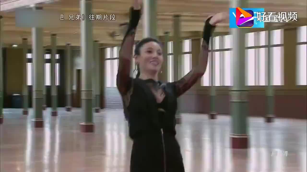"""奔跑吧:邓超林允""""人鱼恋CP"""",两人花样百出,堪称完美搭档!"""