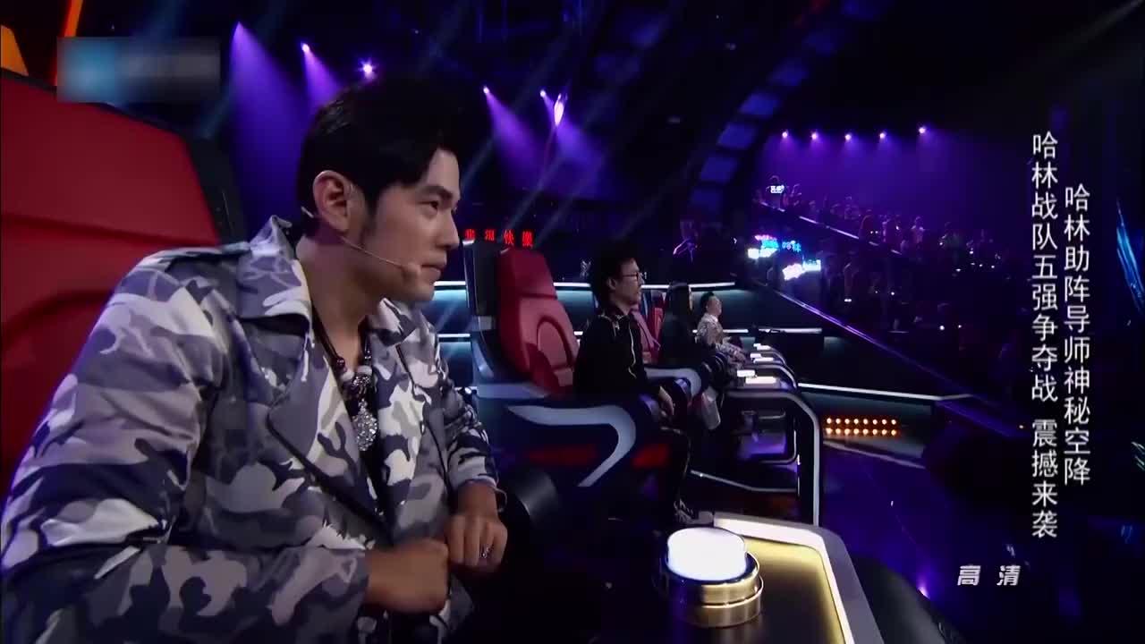 中国新歌声,范晓萱一出场,庾澄庆就脱掉外套冲了上去