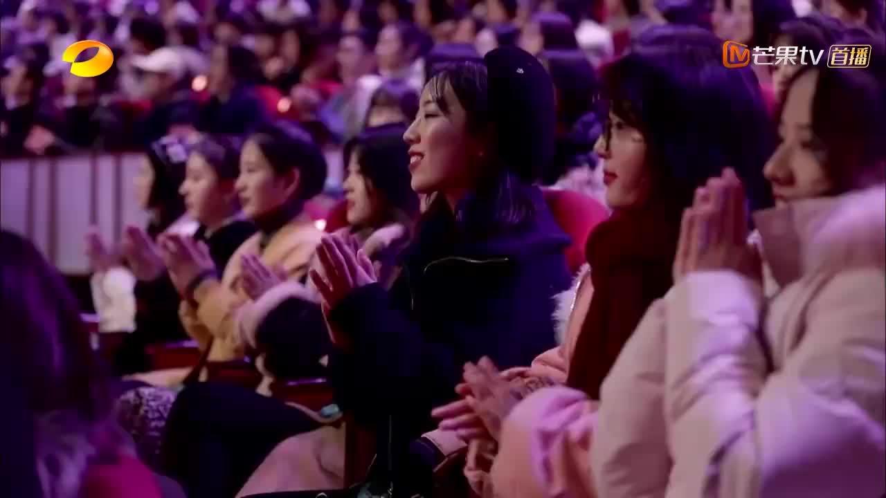 王琳精通各种语言,粤语俄语齐上阵,一开嗓惊艳现场所有人!