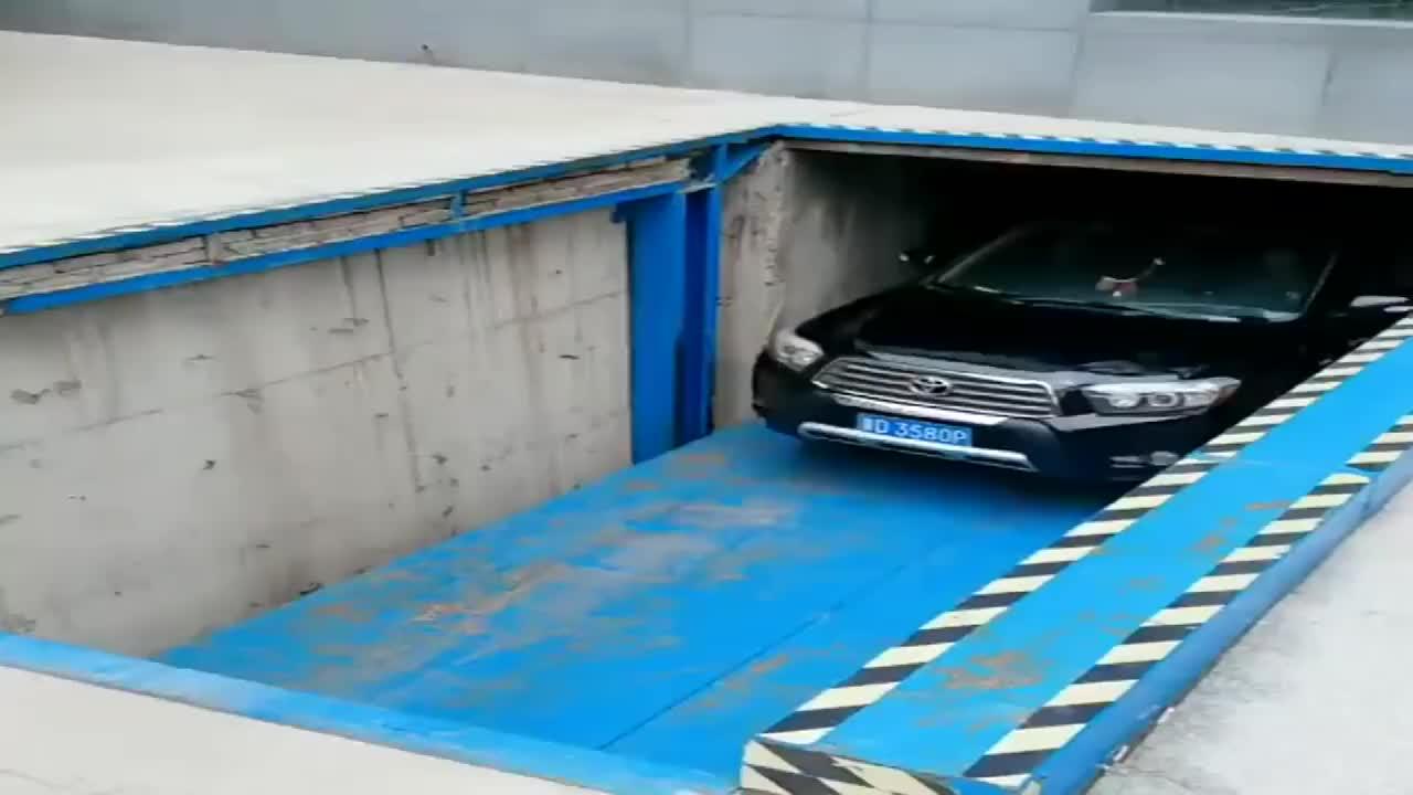 停车场完全是女司机的噩梦,不知道设计师怎么想的