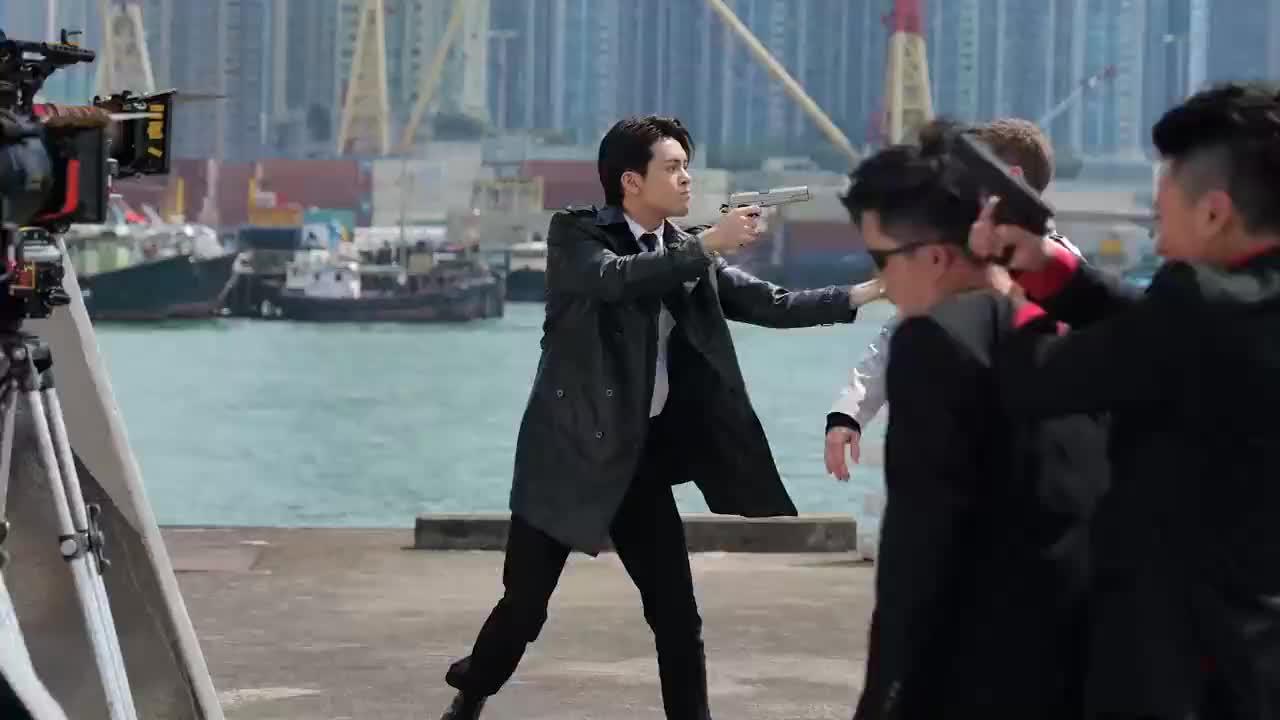 《使徒行者3》花絮:曾舜晞拍摄中枪戏,林峰竟调皮扇巴掌