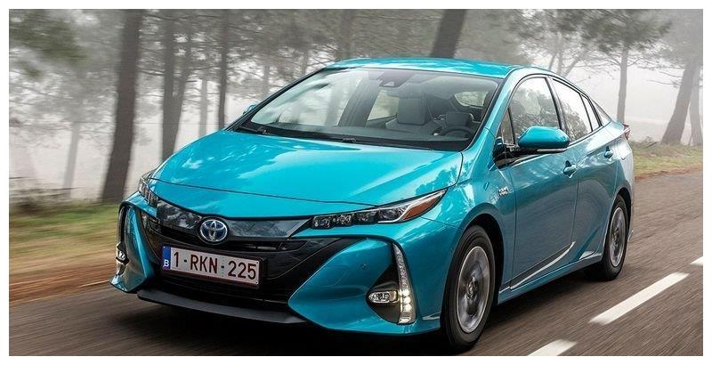 丰田全新普锐斯售价曝光!搭1.8L+电动机,配置升级更丰富