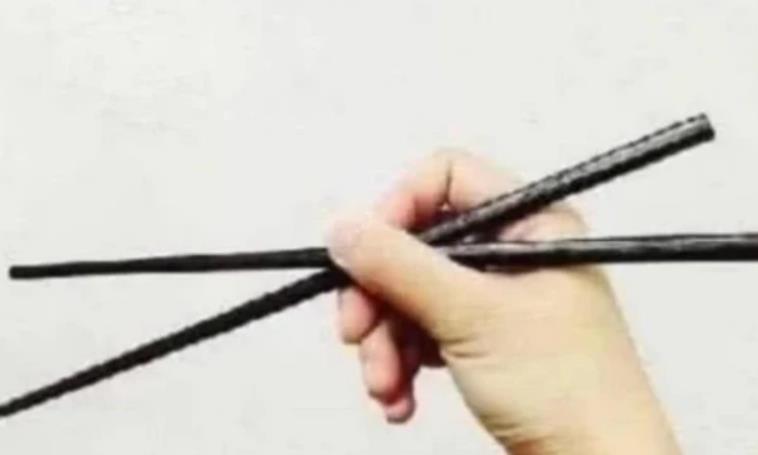 心理测试:你用的是哪种拿筷子方式?测你最终会嫁给什么样的男人
