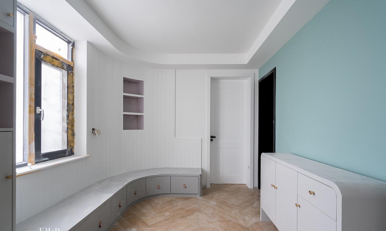 全屋收纳却毫不拥挤,尤其水槽下的镂空网格柜门,我也要装一个!