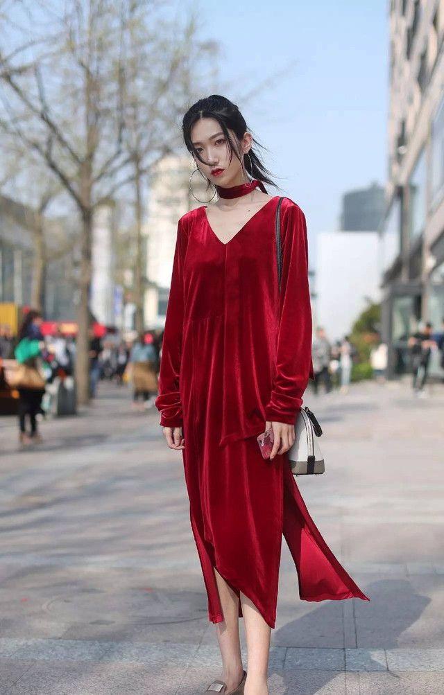 街拍:美女时尚的穿搭,婉约又显别致,穿出女神范!