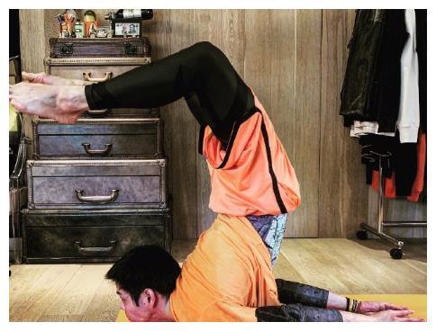 向佐不秀恩爱晒运动照,为备孕将豪宅打造成健身运动房