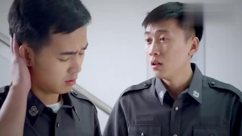 刑警队长:两位被撤职警察,想要戴罪立功,不成想罪犯就在眼前