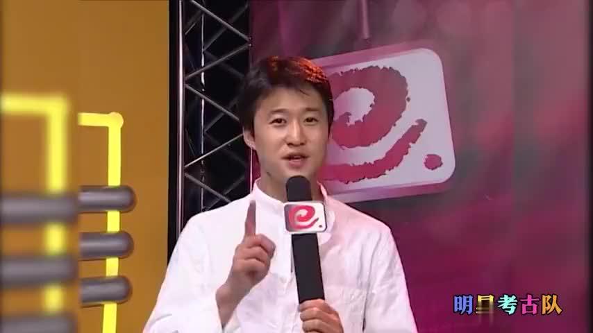"""16年前的吴京什么样?叫恬妞""""妈妈""""。颜值可爱不输当红小生!"""