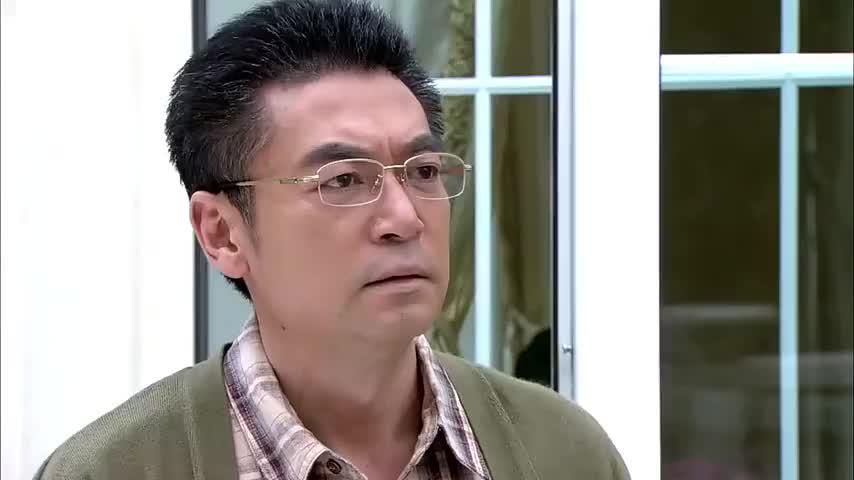 厉仲谋大怒,直接剥夺了吴桐的探视权,吴桐当场傻眼
