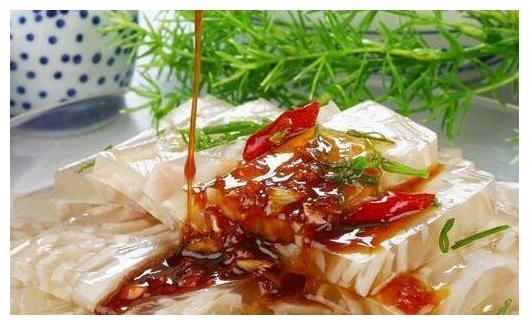 美食精选:自制猪皮冻,可乐带鱼,响油白菜,海带烧肉的做法