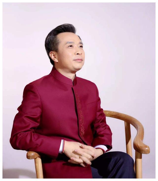 他是中国诗词大会嘉宾,80年代末考入211,才华横溢如今成985教授