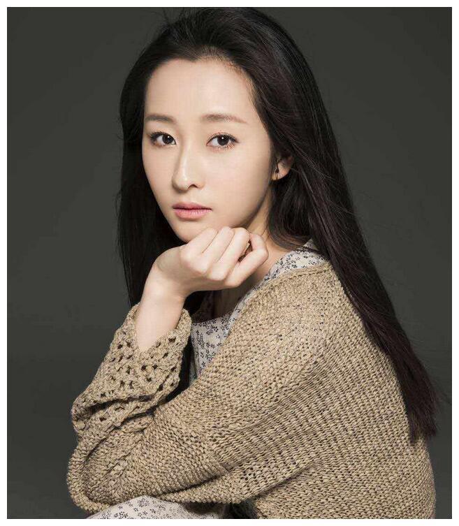 90后女演员吕星辰,毕业于北京舞蹈学院音乐剧系