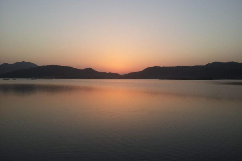 别去西湖数人头了,此地可与杭州西湖、千岛湖相媲美,门票0元