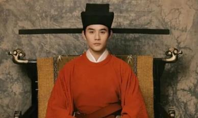 宋仁宗掌政后,他的皇后争宠时打到了他,被废除皇后的位子