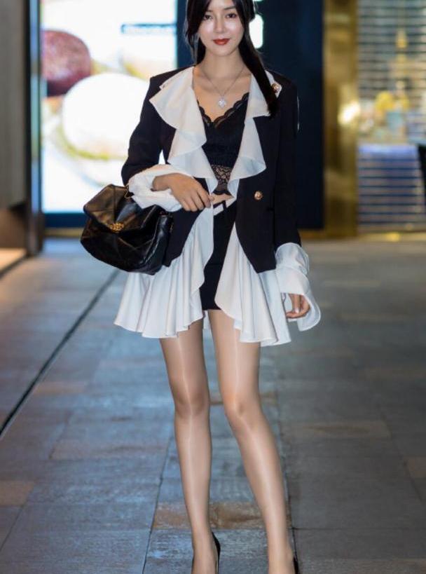 """简约又高级!出街超火的""""裙子""""穿搭:时髦显瘦,好漂亮"""