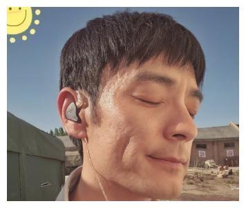 结婚后的李光洁充满魅力,他和妻子在中国的情人节有一个甜蜜的郊