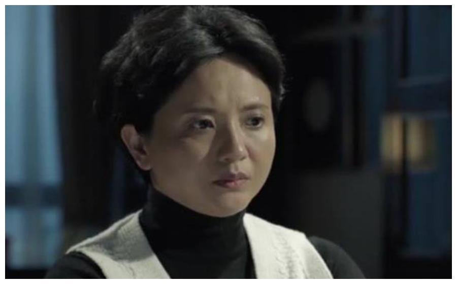 国家一级演员陶慧敏,23岁出道成名,如今54岁依然脱俗淡雅