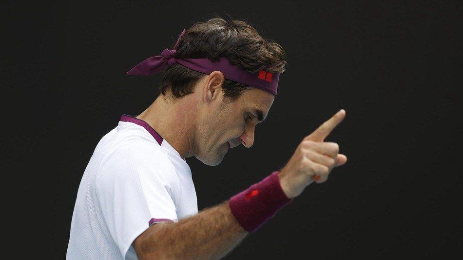 澳网男单1/4决赛战报,费德勒苦战5盘,3比2力克桑德格伦晋级4强