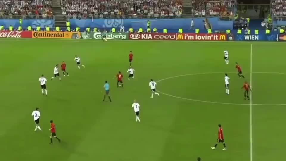 托雷斯08年决赛进球:外线超车生吃拉姆,巧妙挑射攻破德国队大门