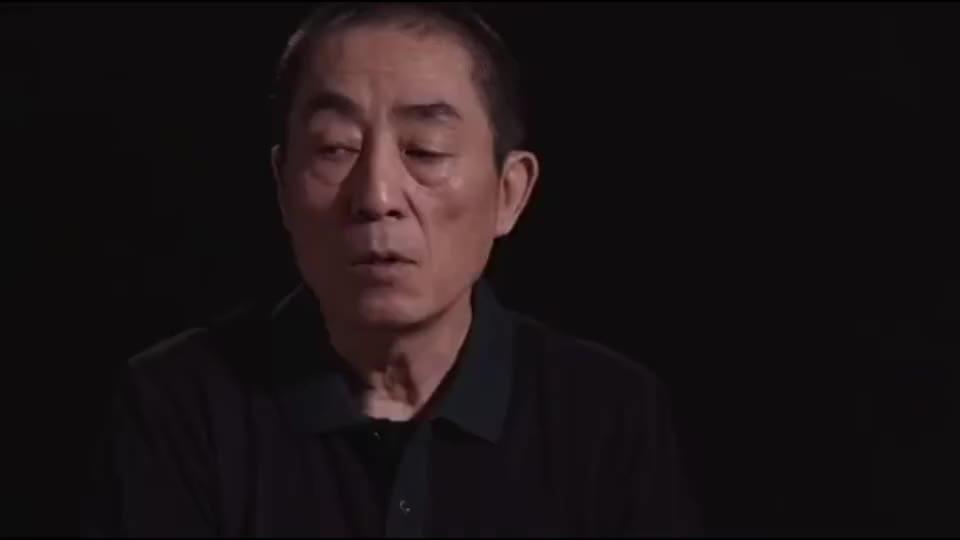张艺谋批评国内电影,表示如今的特效,吹一口气地球都飞了!