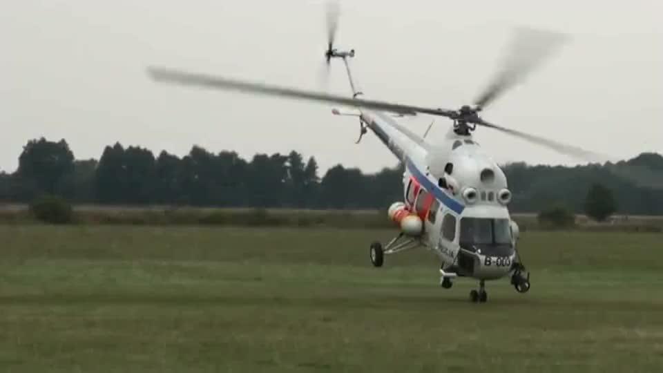 艺高人胆大!飞行员驾驶米2警用直升机,佩服这机动性