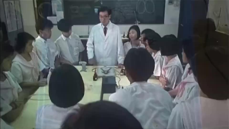 青蛙实验课,只是被电打了一下,就开始口吐芬芳!