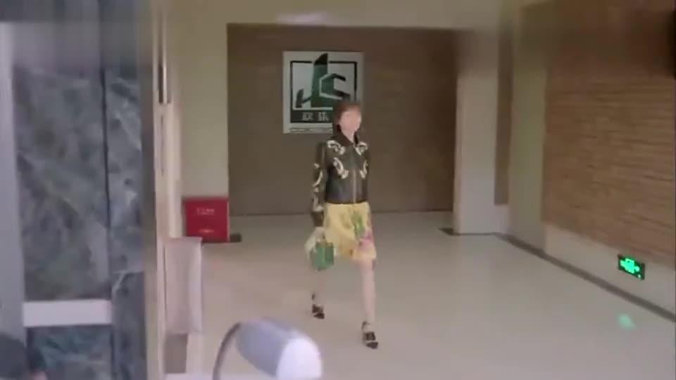 曲筱绡为樊胜美出气,霸气教训物业主管,真是太解气了!