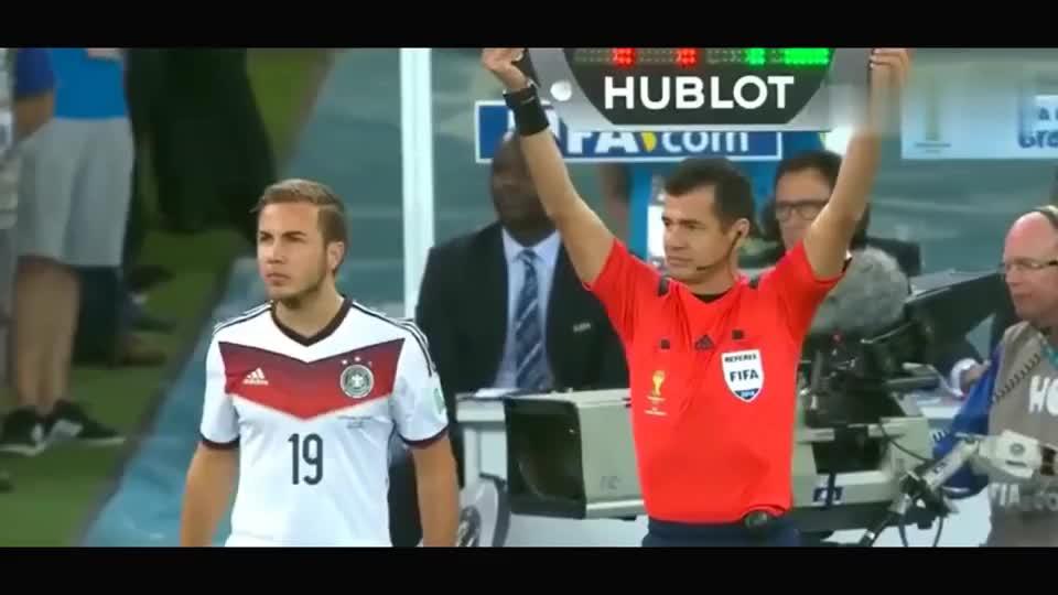 这是世界杯最神奇换人,扼杀球王的诞生,造梅西一生之痛!