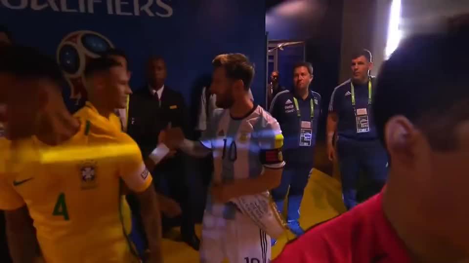 足坛国家队传奇10号碰撞,巴西主场遭遇阿根廷队,结果却出乎意料