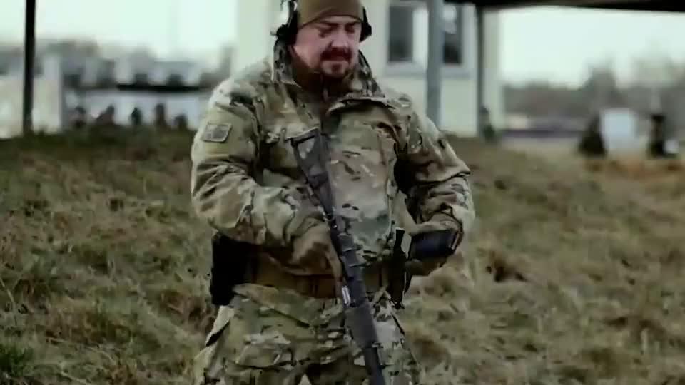 俄罗斯特种部队 AS-VAL 微声突击步枪,秒杀一切!