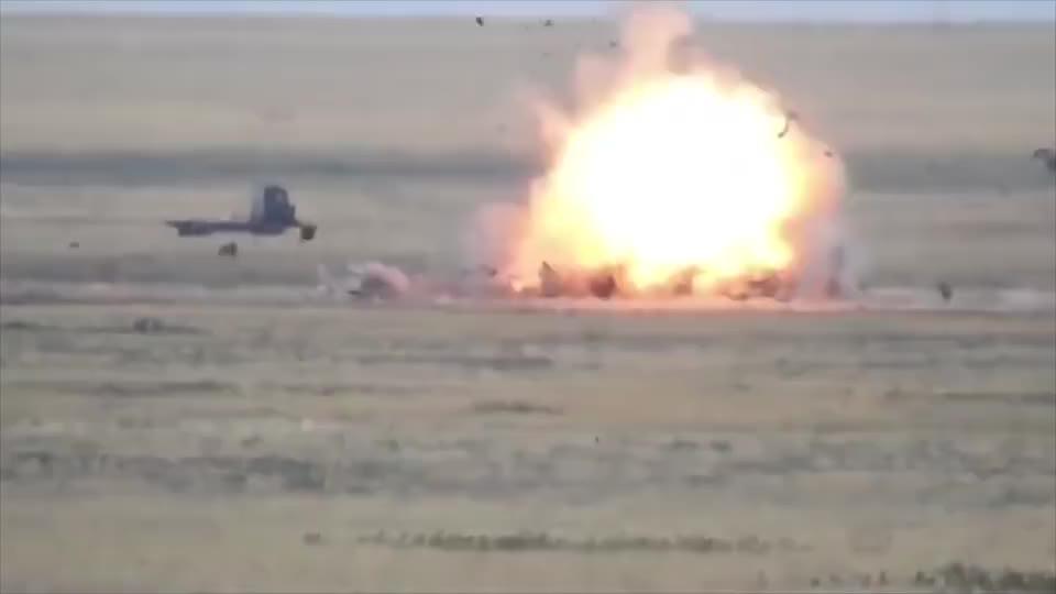 俄罗斯特种部队训练画面混剪,火力倾泄真霸气!