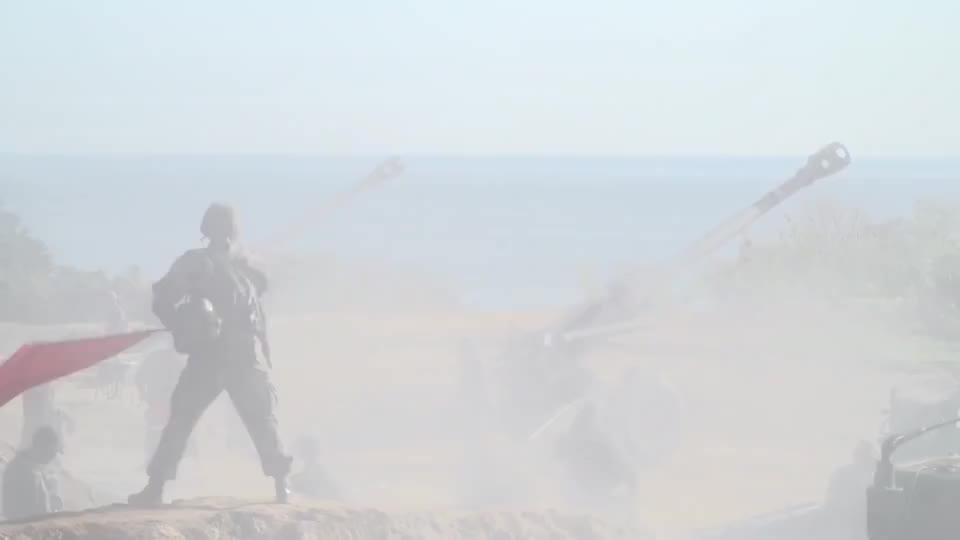 韩国陆军155mm火炮实弹演习,威力咱先不说,这烟也太大了吧