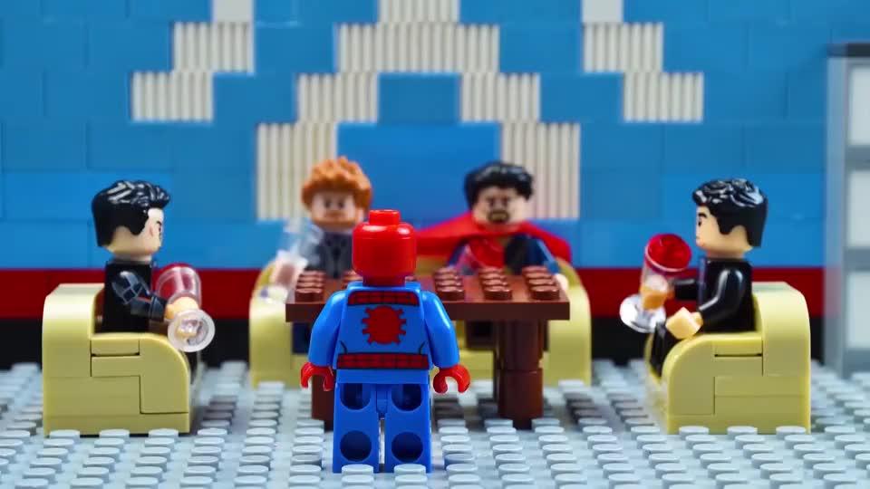 超级英雄玩具,蜘蛛侠的小失误导致班纳博士暴怒释放无敌浩克