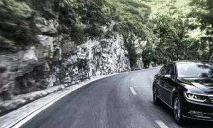 同级别的日系车和德系车相比,跑高速谁更稳定?