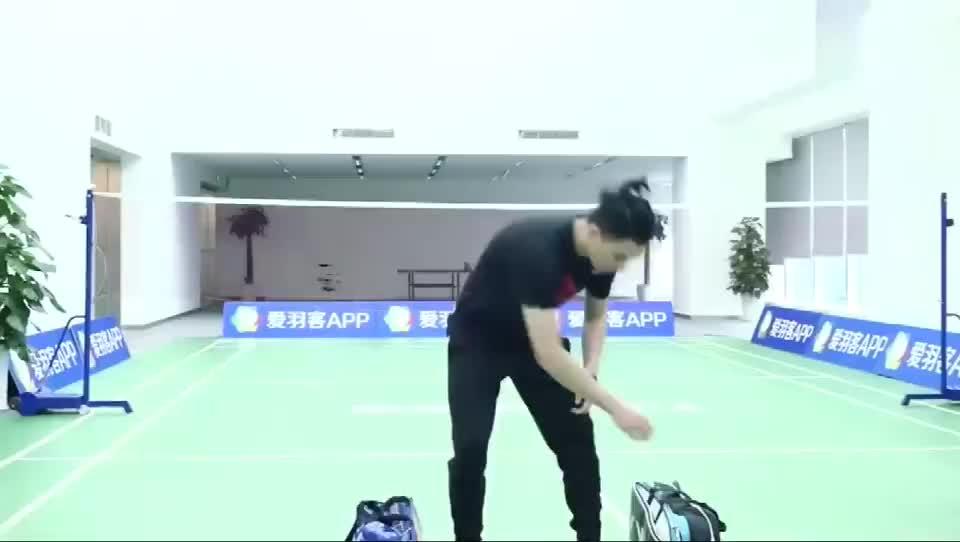 羽毛球挥拍发力要顺畅, 肩膀稳定性要加强, 这样训练, 非常有效!