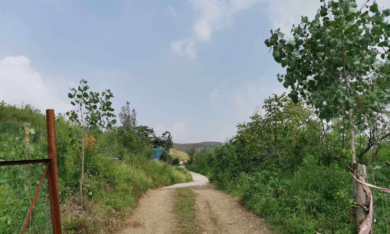 济南章丘三个农村小伙有创意,把农家乐开在山洞里,生意挺不错