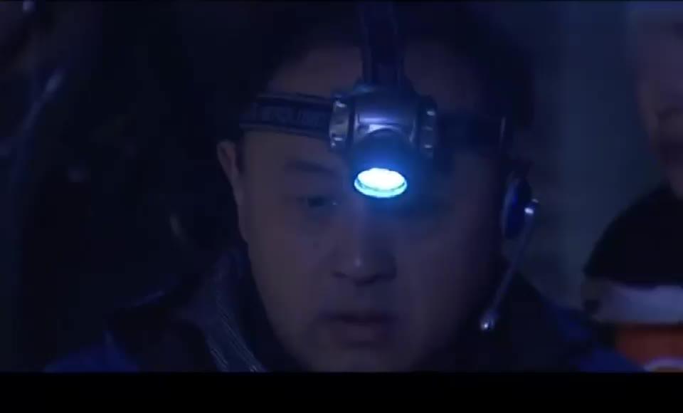 影视:盗墓贼在神秘墓室触动机关,意外获得价值连城的秦王尊