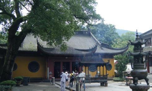 """中国""""最滑稽""""的佛像,村民的好心修缮,却成为了全网""""笑点"""""""