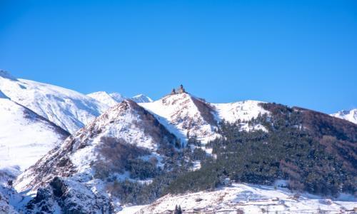 卡兹别克,格鲁吉亚著名的旅游胜地,雪山脚下的小镇宛若世外桃源