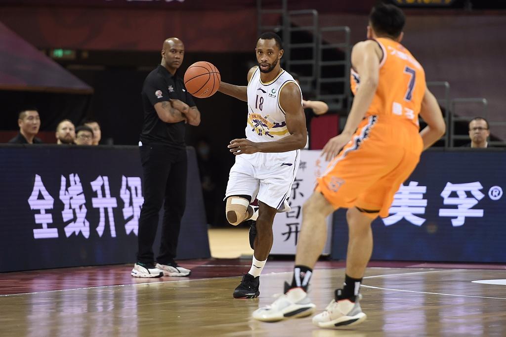 弗格34分,摩尔特里18分,北京北控104-97上海男篮,CBA4连胜