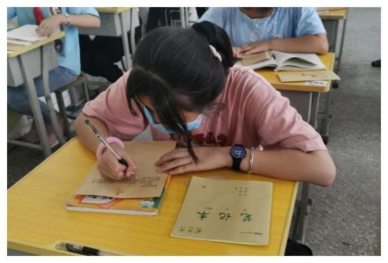 郑州市管城回族区星火路小学开展毕业活动:感恩母校,扬帆起航