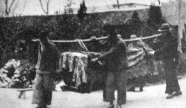 抗战时,外交部长被杀,上海市民大赞凶手为侠士,这是为何?