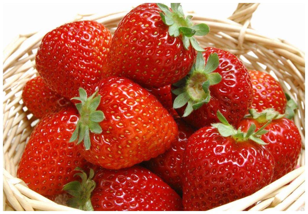 买草莓时,遇到这4种不要买,都是打了激素的,商贩自己都不吃