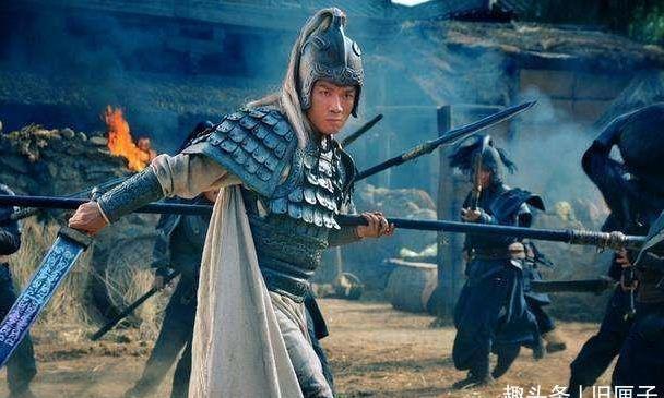 刘备入主蜀地,大封功臣,连黄忠都有爵位,为何赵云诸葛亮没有?