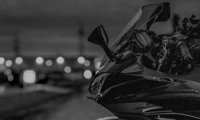 检查川崎漂亮的摩托车类型,经典的绿色不朽,你的车库里还没有?