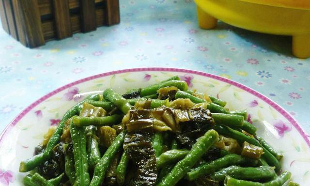 酸菜炒豇豆,家常下饭菜
