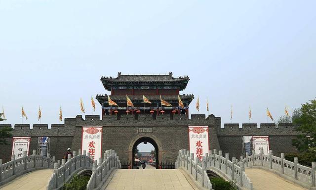 """山东""""土豪""""庄园走红,繁华不输南浔,有""""赛北京""""之美誉"""